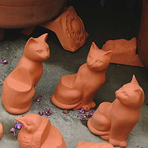 Terracotta Wine Keepers Australia Cat Pot Feet