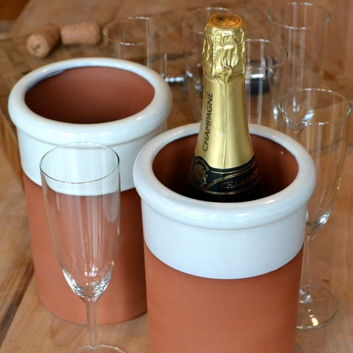 0000331_wine-cooler-round-with-white-glaze